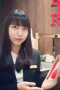 店舗営業部 関東Ⅱブロックマネージャー 秋田 万葉